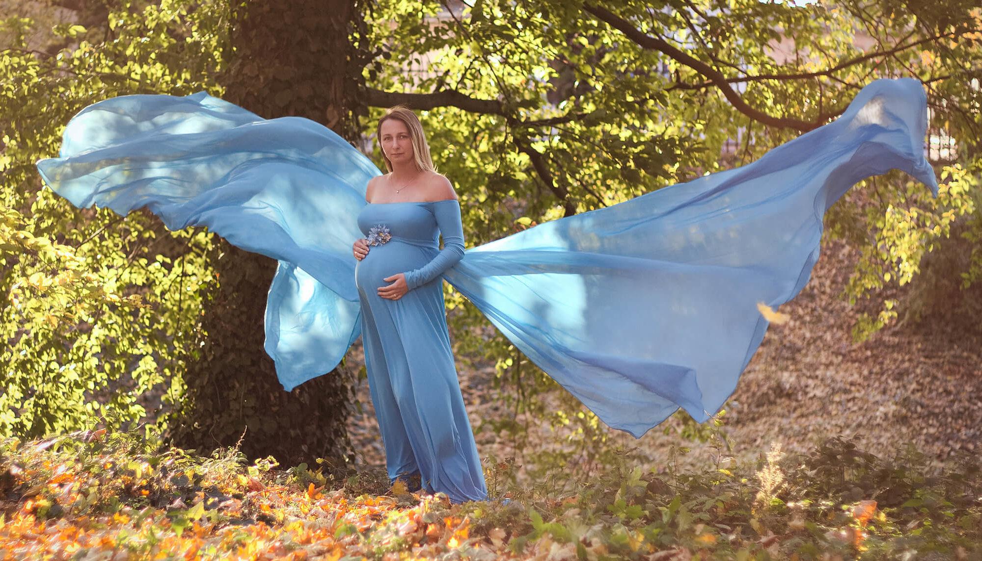 Sesja ciążowa w błękitnej sukni-Fotograf Szamotuły