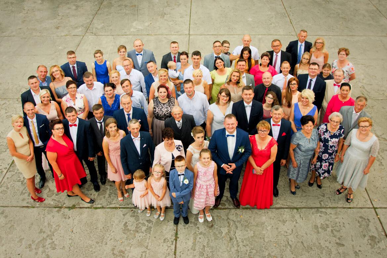 Fotografia Ślubna. Zdjęcie grupowe. Gościniec Bracki