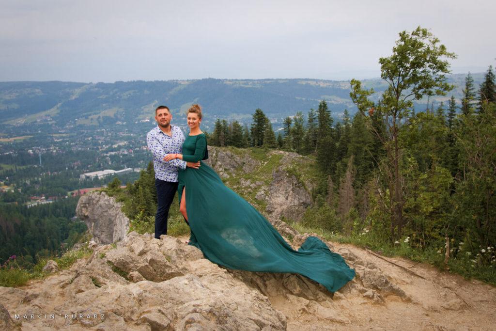 Sesja narzeczeńska w Tatrach. Nosal. Zielona suknia