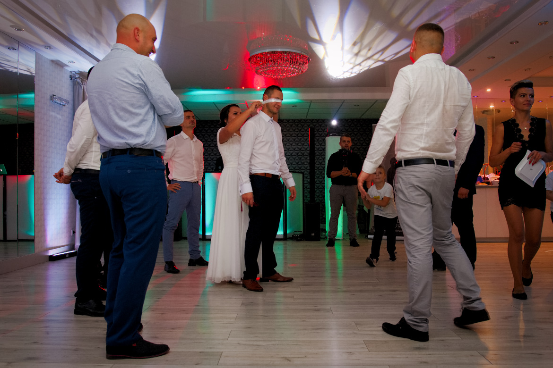 Zdjęcia ślubne. Oczepiny